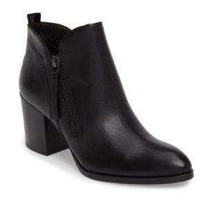 Donald Pliner Boots